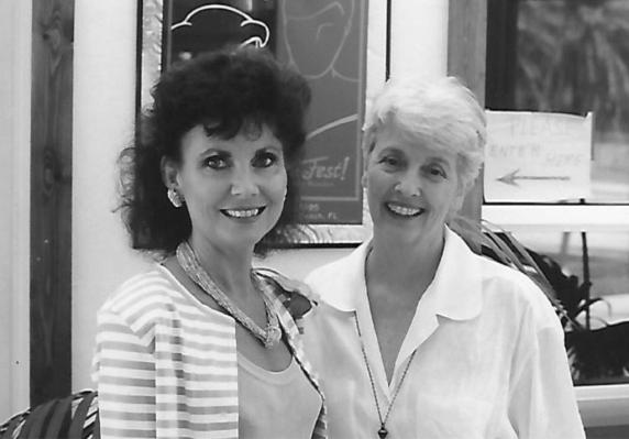 BookFest-of-the-Palm-Beaches---Barbara-on-left